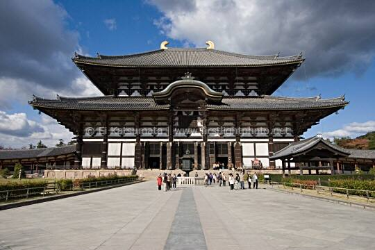 The Daibutsuden is the largest wooden structure in the world, Todaiji Temple, Nara, Kansai Region, Japan